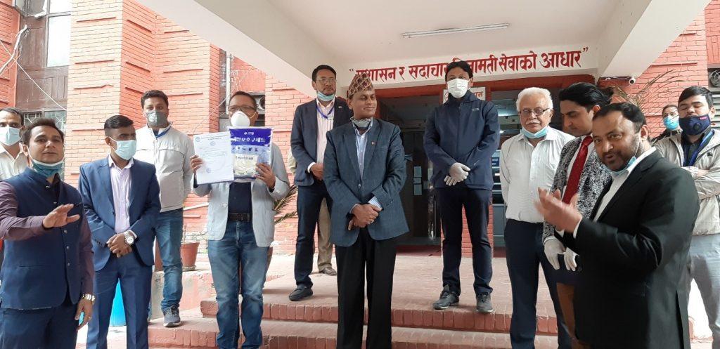 एनसिसि दक्षिण कोरियावाट प्राप्त स्वास्थ्य सम्बन्धी सामाग्री नेपाल सरकारलाई हस्तान्तरण
